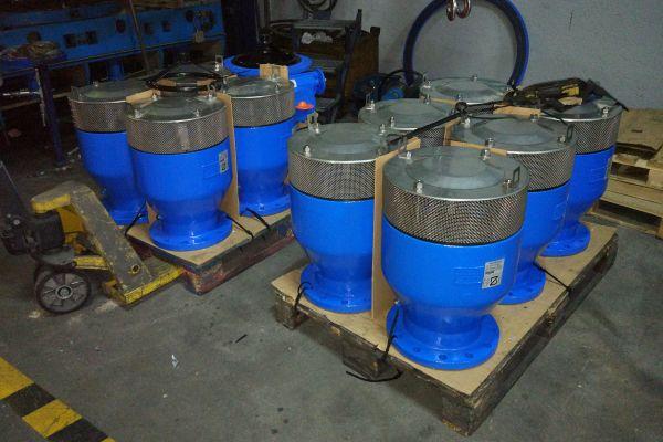 Triple function air valve DN200